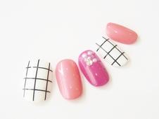 ピンク×ホワイト グラフチェック